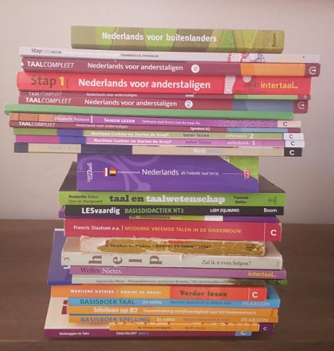 Zbiór książek do nauki języka holenderskiego
